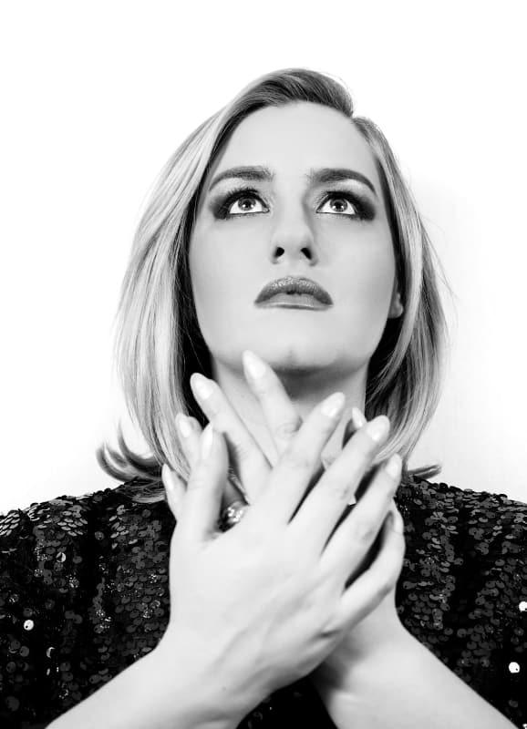 Adele Doble-1 maravillosa voz de canto en directo