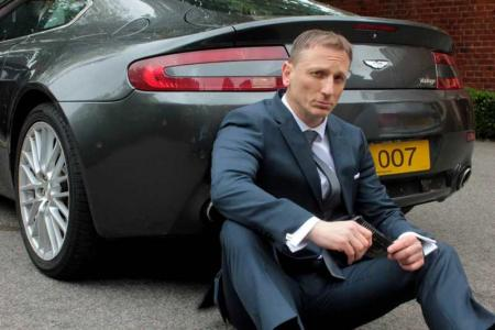 Daniel Craig Double-Lookalike-4 (14)