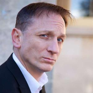 Daniel Craig Double-Lookalike-4 (16)