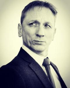 Daniel Craig Double-Lookalike-4 (20)