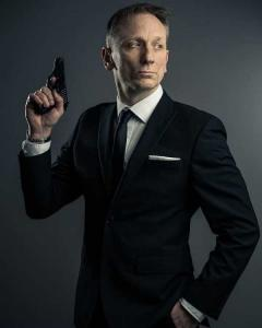 Daniel Craig Double-Lookalike-4 (8)