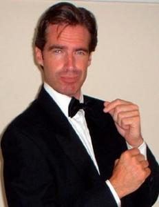 Pierce Brosnan Double-Lookalike-3 (1)