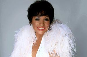 Shirley  Bassey Double Lookalike Tribute-1 (15)