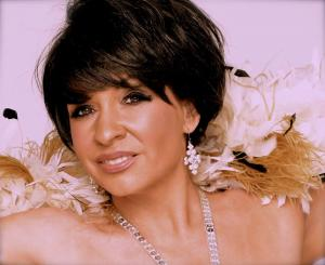 Shirley  Bassey Double Lookalike Tribute-1 (6)