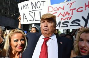 Donald Trump Double Lookalike-1 (22)