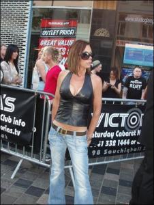 Victoria Beckham Double Lookalike-2 (12)