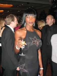 Naomi Campbell Double Lookalike-1 (4)