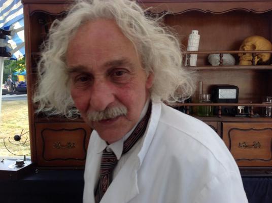 Albert Einstein Double Looklalike-2 (9)