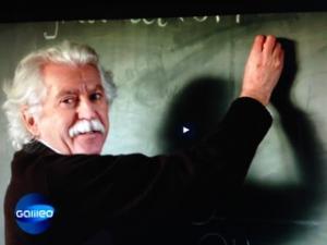 Doble parecido de Albert Einstein-3 (4)