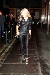 Kate Moss Double Lookalike-1 (130)