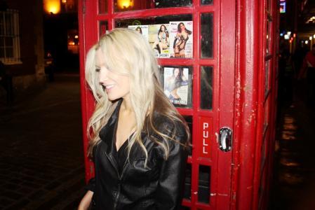 Kate Moss Double Lookalike-1 (132)
