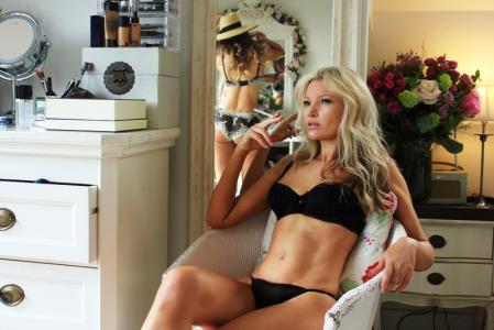 Kate Moss Double Lookalike-1 (157)