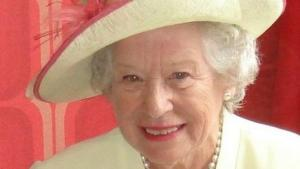 Queen Elizabeth Double Lookalike-4 (3)