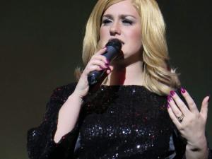 Adele Double-Tribute-Lookalike-1 (7)