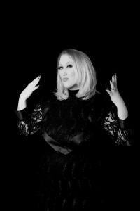 Adele Double-Tribute-Lookalike-3 (9)