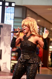Tina Turner Double 2.16