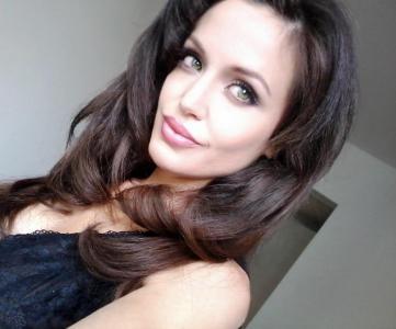 Angelina Jolie Double Lookalike-1 (11)