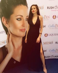 Angelina Jolie Double Lookalike-1 (15)