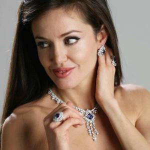 Angelina Jolie Double Lookalike-1 (2)