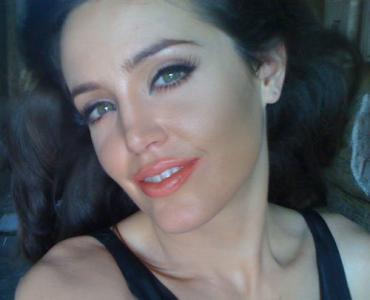 Angelina Jolie Double Lookalike-1 (28)