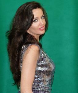 Angelina Jolie Double Lookalike-1 (4)