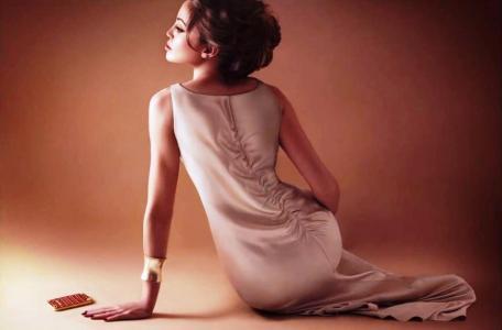 Angelina Jolie Double Lookalike-1 (53)