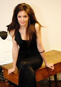 Angelina Jolie Double Lookalike-1 (78)