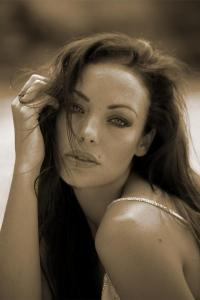 Angelina Jolie Double Lookalike-2 (18)