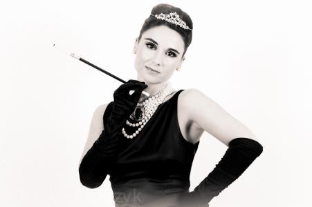 Audrey Hepburn Double Lookalike-1 (17)