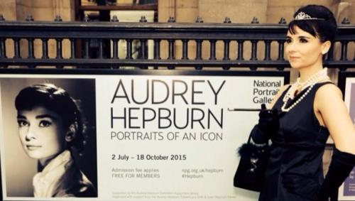 Audrey Hepburn Double Lookalike-1 (6)