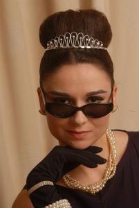 Audrey Hepburn Double Lookalike-1 (7)