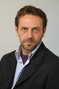 Dr. House  Double Lookalike-1 (1)