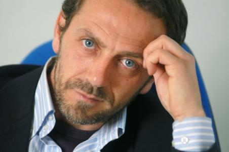 Dr. House  Double Lookalike-1 (2)