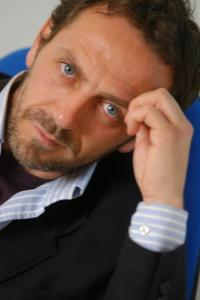 Dr. House  Double Lookalike-1 (3)