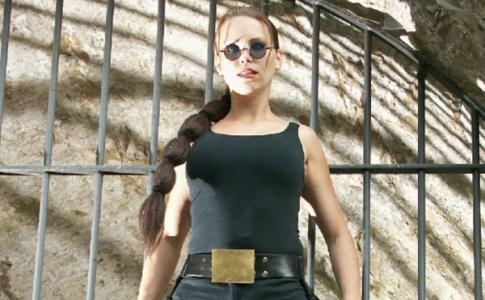 Lara Croft  Double Lookalike-1 (4)
