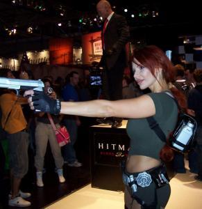 Lara Croft  Double Lookalike-2 (1)