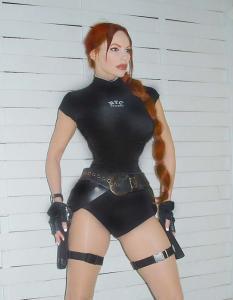 Lara Croft  Double Lookalike-2 (2)