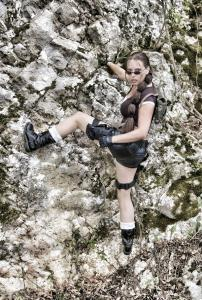 Lara Croft  Double Lookalike-3 (1)
