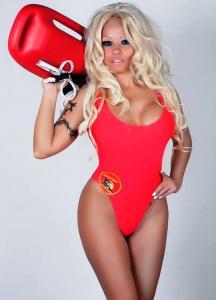 Pamela Anderson Double Lookalike-1 (1)