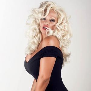 Pamela Anderson Double Lookalike-1 (10)