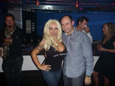 Pamela Anderson Double Lookalike-1 (21)