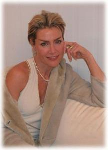 Sharon Stone Double Lookalike-1 (29)