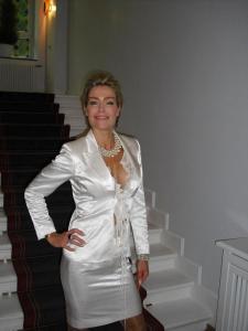 Sharon Stone Double Lookalike-1 (9)