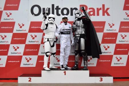 Lewis Hamilton Double Lookalike-1 (10)