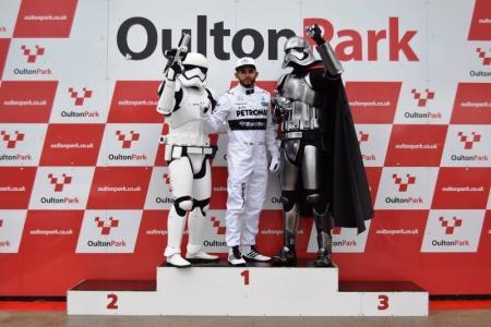 Lewis Hamilton Double Lookalike-1 (11)