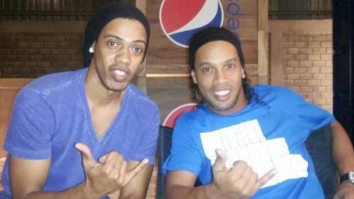 Ronaldinho Double Lookalike-1 (3)