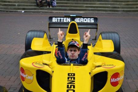 Sebastian Vettel Double Lookalike-2 (21)