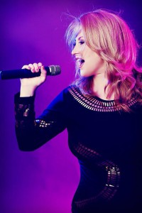 Kelly Clarkson Double-1.14